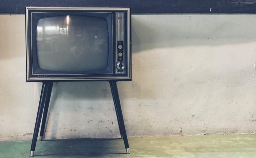 Rodzinny odsapnięcie przed telewizorem, lub niedzielne filmowe popołudnie, umila nam czas wolny ,a także pozwala się zrelaksować.